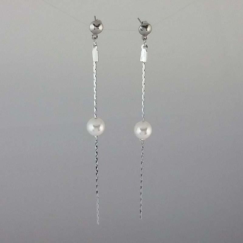 Boucles d'Oreilles acier qui pendent avec perle au milieu