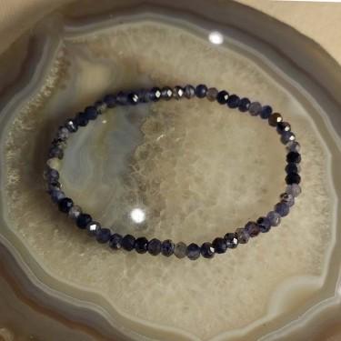 Bracelet iolite facettée