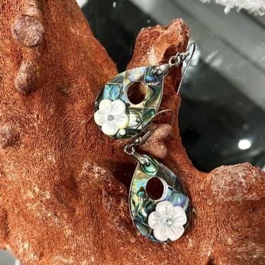 Boucles d'oreilles laiton et fleur nacre abalone