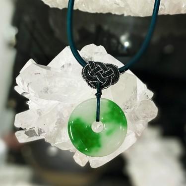 Collier pendentif  agate sur cordon