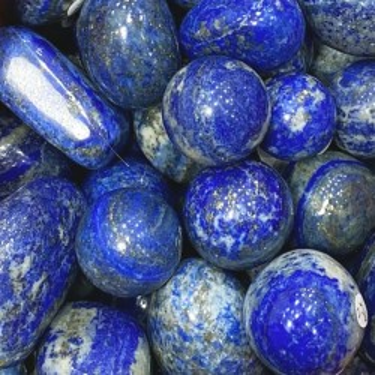 Galets en lapis lazulis