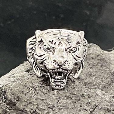 Bague chevalière acier inoxydable tigre